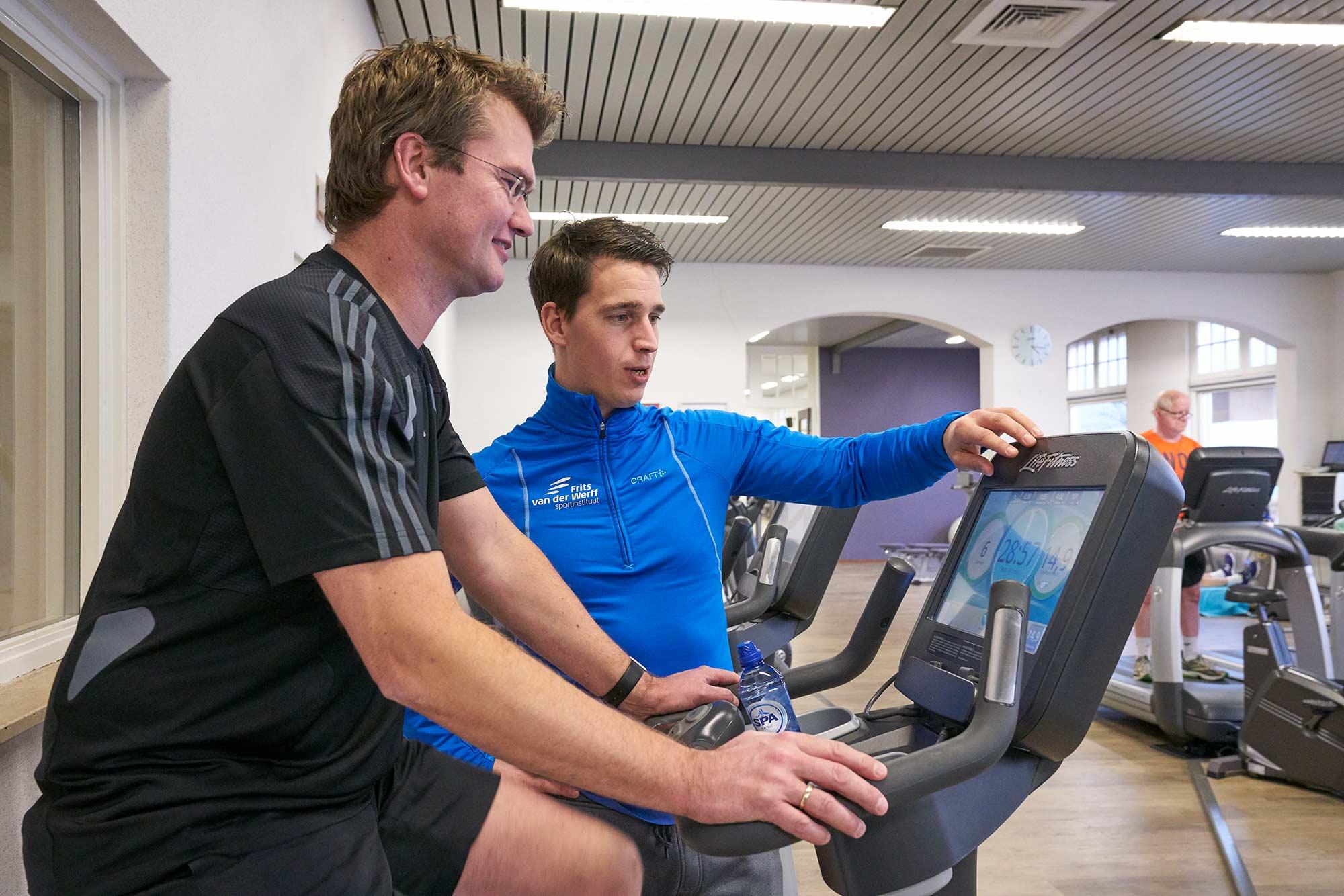 Fitness in Hoorn fitnesscoach instructie frits van der werff